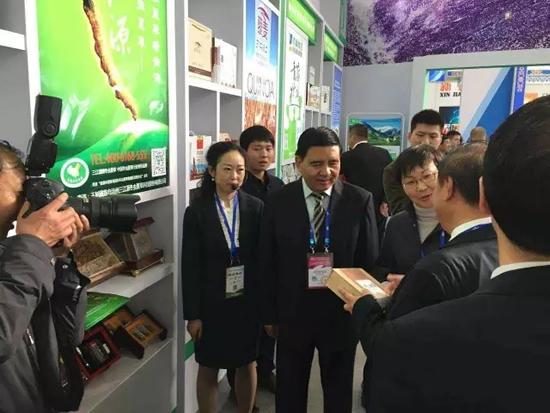 三江源携青藏珍奇特产亮相第十二届昆明国际农业博览会